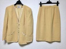 ユキコハナイ スカートスーツ サイズ9 M レディース ベージュ