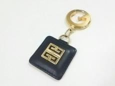GIVENCHY(ジバンシー) キーホルダー(チャーム)美品  黒×ゴールド