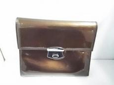 PRADA(プラダ) 3つ折り財布 - 1M0170 ブロンズ エナメル(レザー)