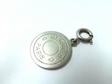 HERMES(エルメス) ペンダントトップ美品  セリエ 金属素材 シルバー