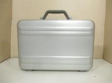ゼロハリバートン アタッシュケース美品  シルバー 金属素材