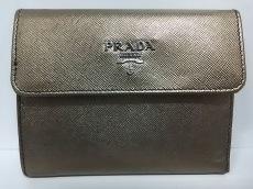 PRADA(プラダ) 3つ折り財布 - カーキゴールド レザー