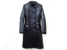 PRADA(プラダ) コート サイズ38 S レディース美品  黒 冬物/ファー
