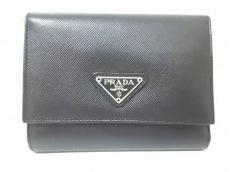 PRADA(プラダ) 3つ折り財布美品  - 黒 レザー