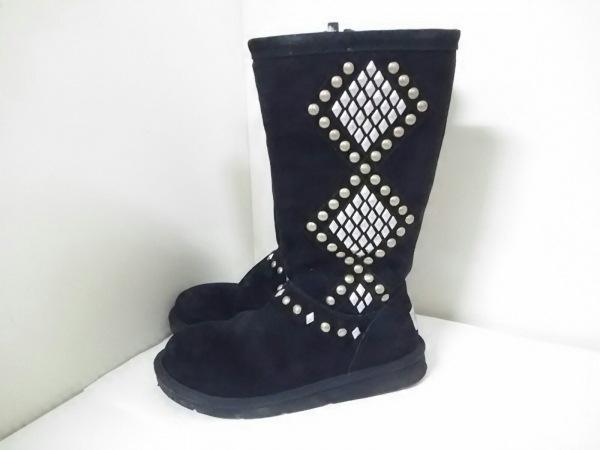 美品 UGG(アグ) ブーツ AVONDALE レディース 黒×シルバー×ゴールド 2