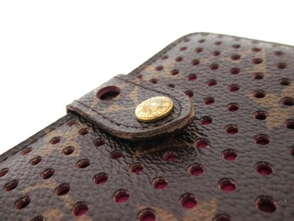 ルイヴィトン 2つ折り財布 モノグラムペルフォ M95188 8