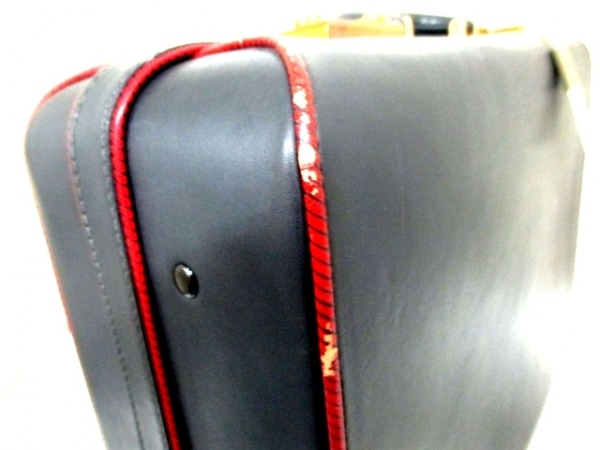 バレンチノガラバーニ トランクケース 黒×レッド レザー 7