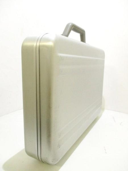ゼロハリバートン アタッシュケース シルバー 金属素材 2