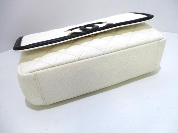 シャネル ショルダーバッグ 美品 マトラッセ A93340 白×黒 4