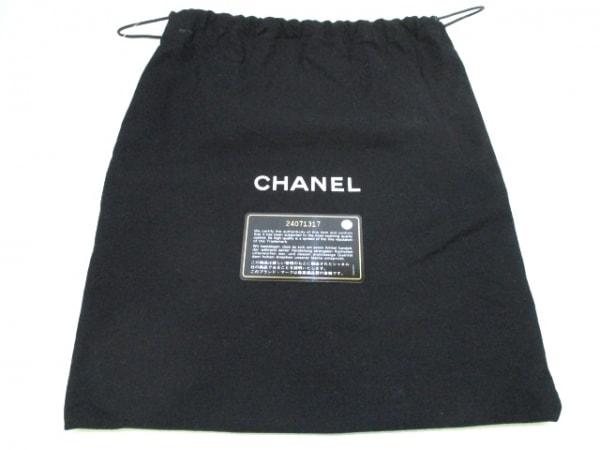 シャネル ショルダーバッグ 美品 マトラッセ A93340 白×黒 8