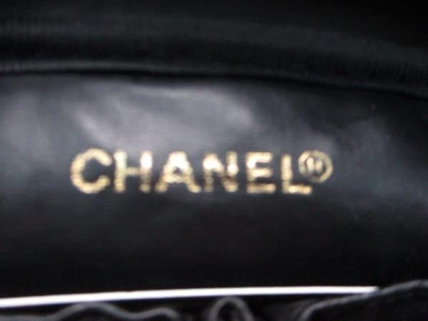 CHANEL(シャネル) バニティバッグ キャビアスキン 黒 ゴールド金具 6