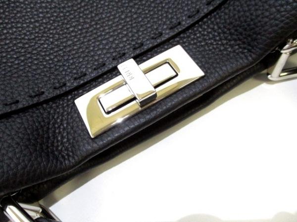 フェンディ ハンドバッグ美品  ピーカブー/セレリア 8BN290 黒 8