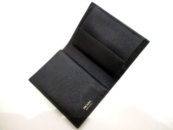 PRADA(プラダ) 2つ折り財布美品  - 1MV668 黒 レザー 6