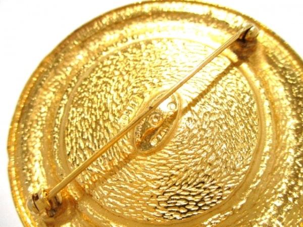 CHANEL(シャネル) ブローチ美品  金属素材 ゴールド 3