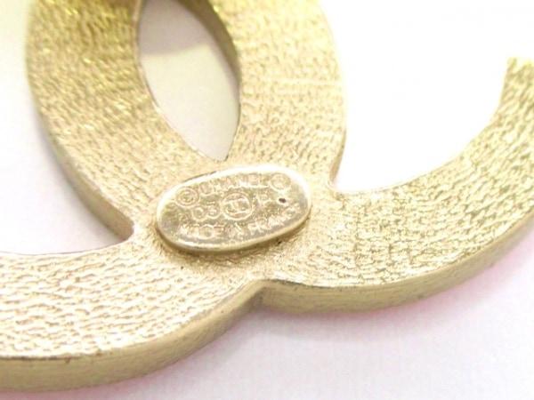 CHANEL(シャネル) ブローチ 金属素材 オレンジ×ゴールド ココマーク 3