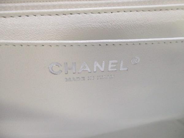 シャネル ショルダーバッグ美品  デカマトラッセ 白 キャビアスキン 6