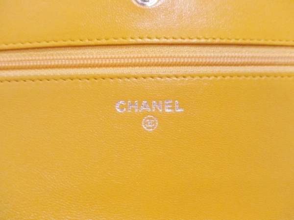 CHANEL(シャネル) 財布 マトラッセ A33814 イエロー ラムスキン 5