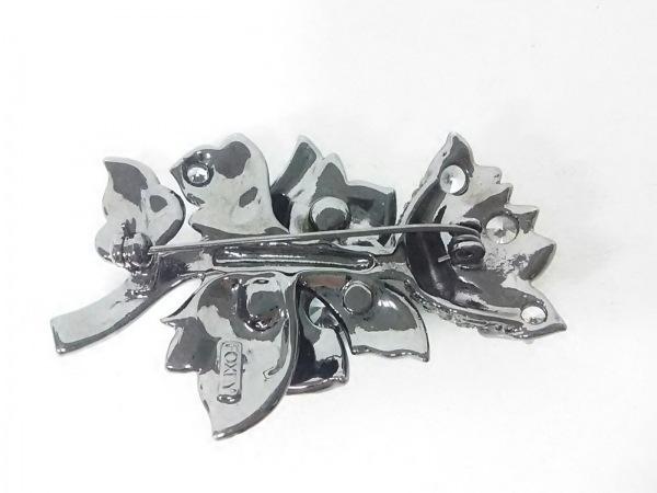 FOXEY(フォクシー) ブローチ 金属素材×ラインストーン 2