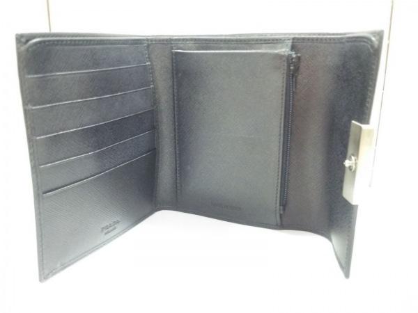 PRADA(プラダ) 3つ折り財布美品  - 黒×シルバー レザー×金属素材 3