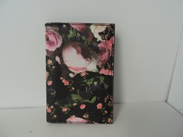 GIVENCHY(ジバンシー) カードケース美品  黒×ピンク×マルチ 花柄 0