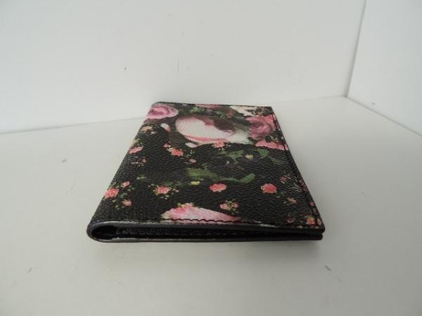 GIVENCHY(ジバンシー) カードケース美品  黒×ピンク×マルチ 花柄 2