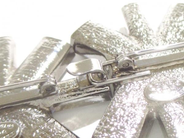 CHANEL(シャネル) ブローチ美品  金属素材×ラインストーン 6