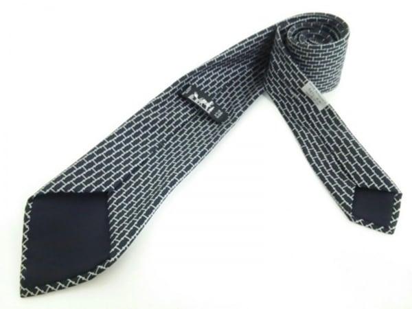 HERMES(エルメス) ネクタイ メンズ新品同様  黒×ライトグレー H柄 2