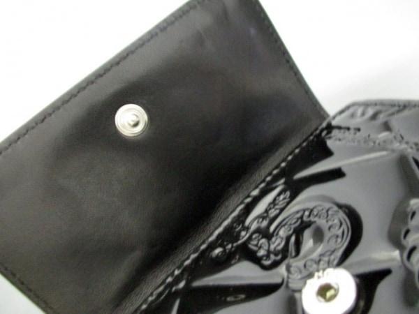 シャネル Wホック財布美品  シンボルチャーム 黒 エナメル(レザー) 6