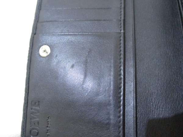 ロエベ 2つ折り財布 リピート 107.55.G96 黒 型押し加工 レザー 6