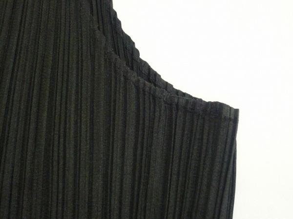 プリーツプリーズ タンクトップ レディース美品  黒 プリーツ 4