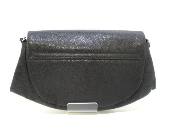 CHANEL(シャネル) 財布 ハーフムーン A40033 黒 キャビアスキン 2