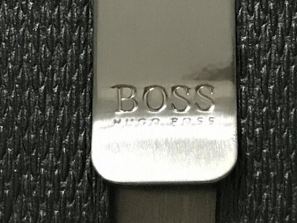 HUGOBOSS(ヒューゴボス) パスケース美品  黒 型押し加工 レザー 3
