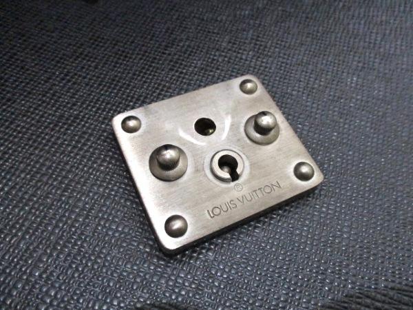 ルイヴィトン ビジネスバッグ タイガ モスコバ M30032 アルドワーズ 9