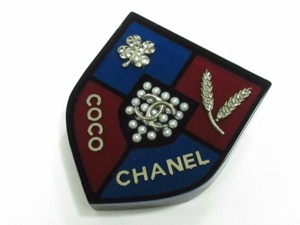 CHANEL(シャネル) ブローチ美品  プラスチック 黒×ボルドー×マルチ 1