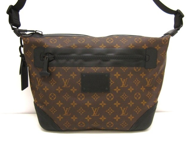 LOUIS VUITTON(ルイヴィトン)のメッセンジャー