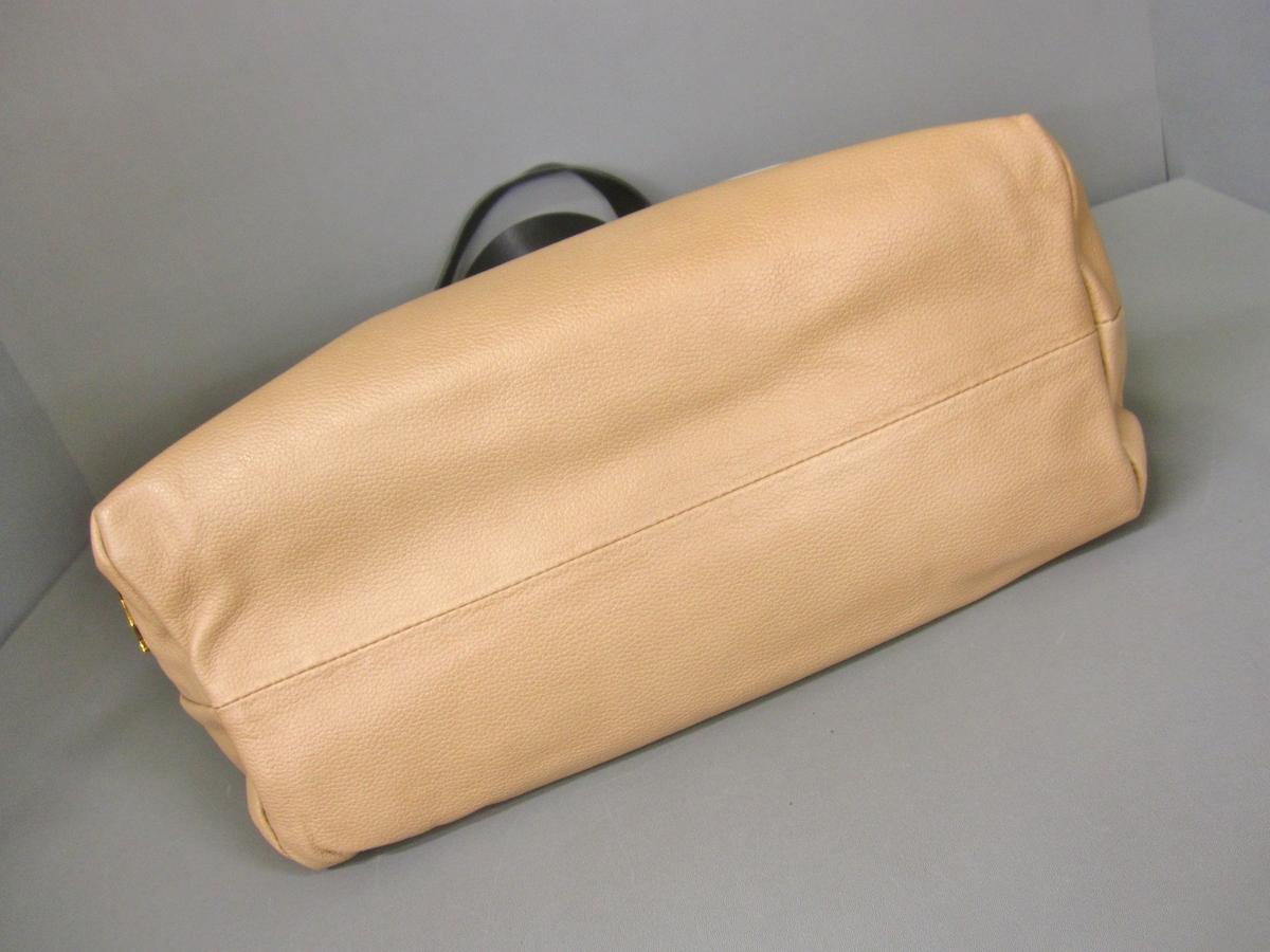 CHRISTIAN LOUBOUTIN(クリスチャンルブタン)のトートバッグ