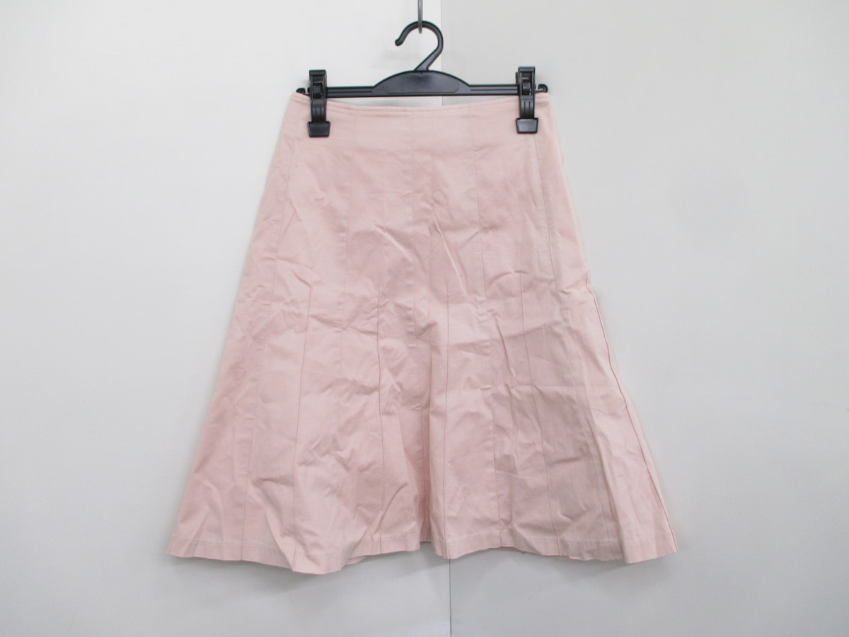 ES(エス)のスカート