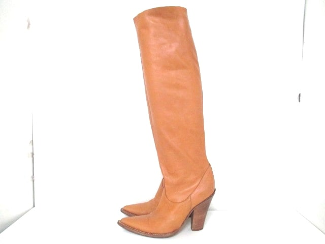 Nando Muzi(ナンドムジ)のブーツ
