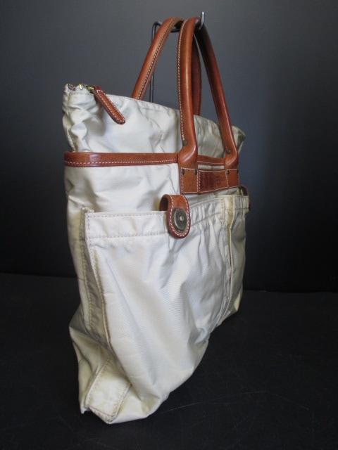 Felisi(フェリージ)のヘルメットバッグ