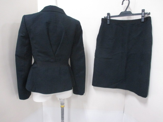 SalvatoreFerragamo(サルバトーレフェラガモ)のスカートスーツ