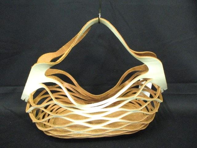UN-SYMMETRY(アシンメトリー)のハンドバッグ