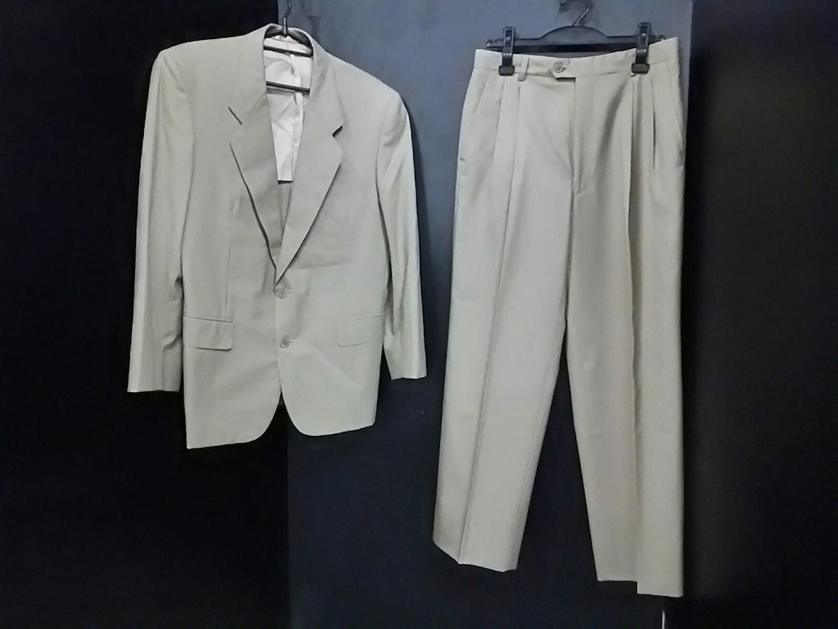 YvesSaintLaurent(イヴサンローラン)のメンズスーツ