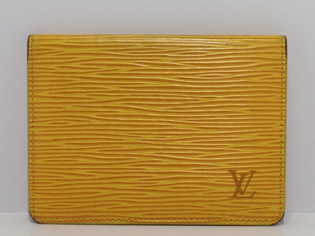 LOUIS VUITTON(ルイヴィトン)のポルト 2カルト ヴェルティカル