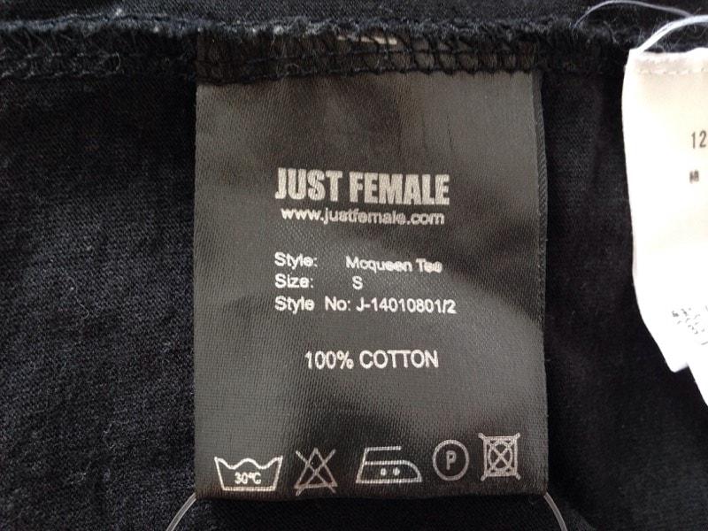 JUST FEMALE(ジャストフィーメイル)のTシャツ