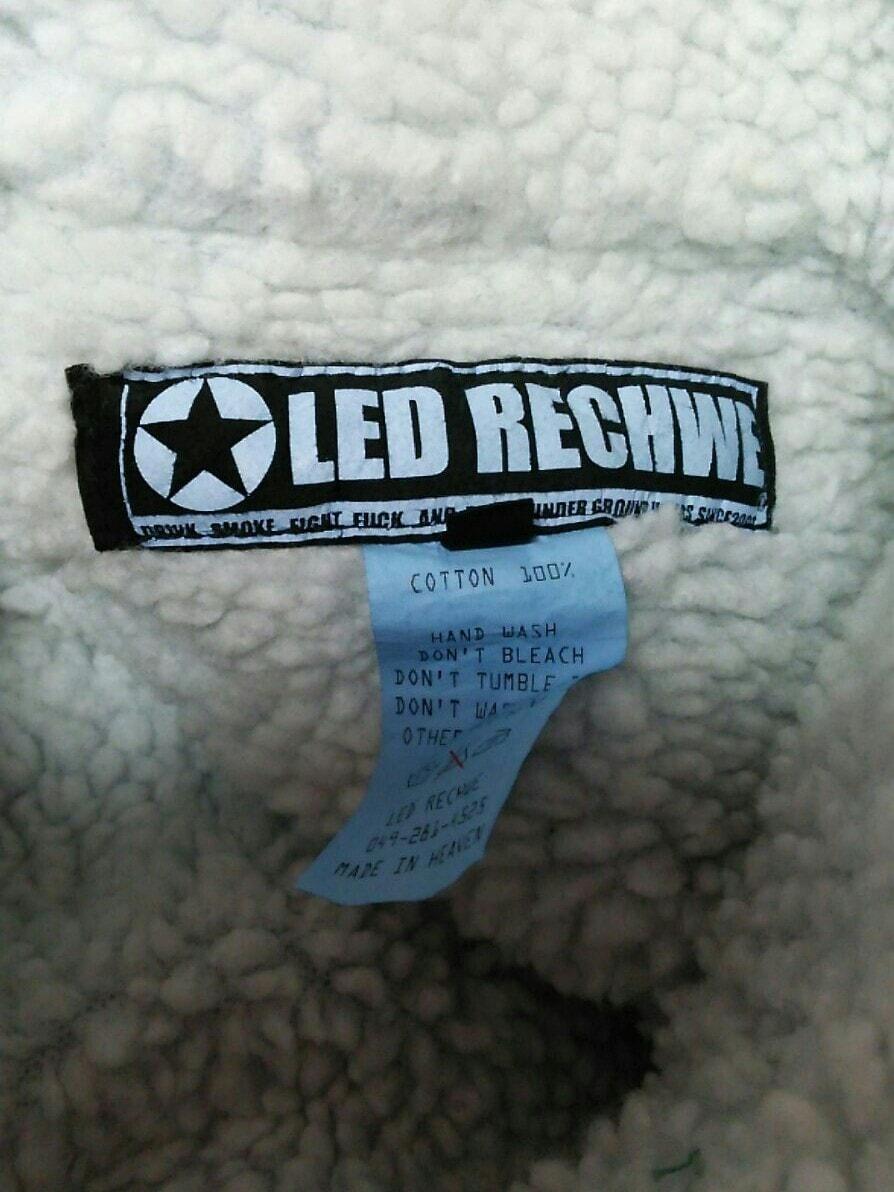 LED RECHWE(レッドリーチュエ)のブルゾン
