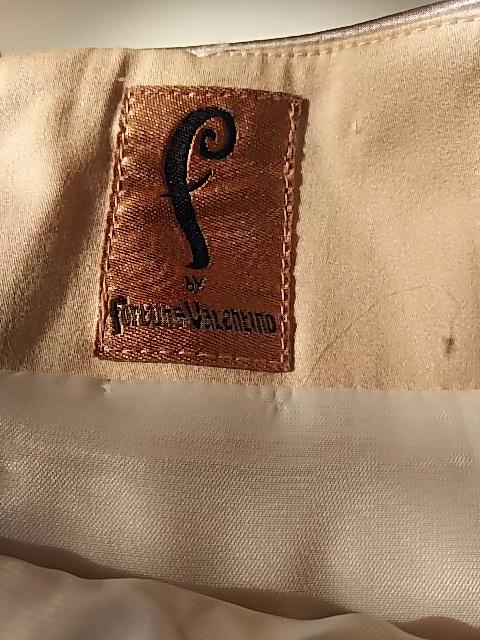 f by fortunaValentino(エフバイフォルトゥーナヴァレンティノ)のスカート