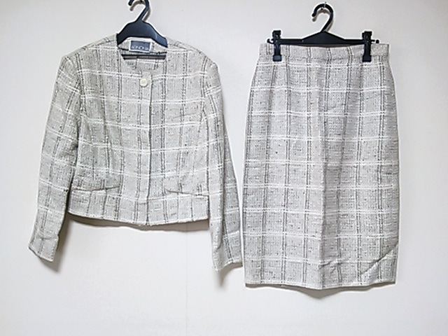 AGNONA(アニオナ)のスカートスーツ