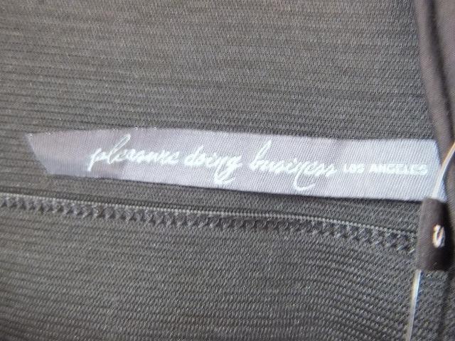 Pleasure doing business(プレジャードゥーイングビジネス)のスカート