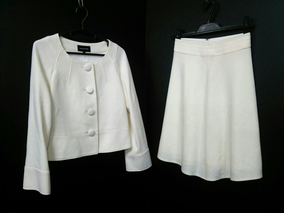 QUEENS COURT(クイーンズコート)のスカートスーツ