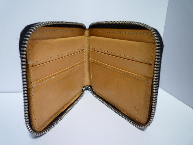BILLYKIRK(ビリーカーク)の2つ折り財布